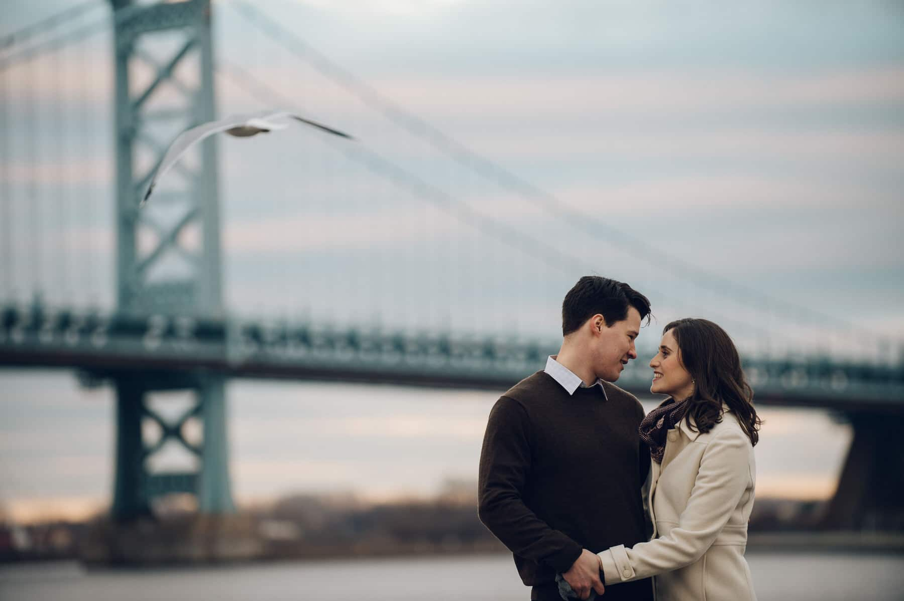 engagement photo with Ben Franklin Bridge